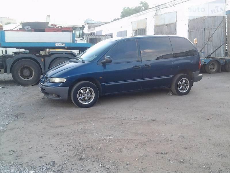 Dodge Caravan 2000 року