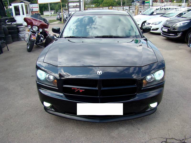 Dodge Charger 2007 года