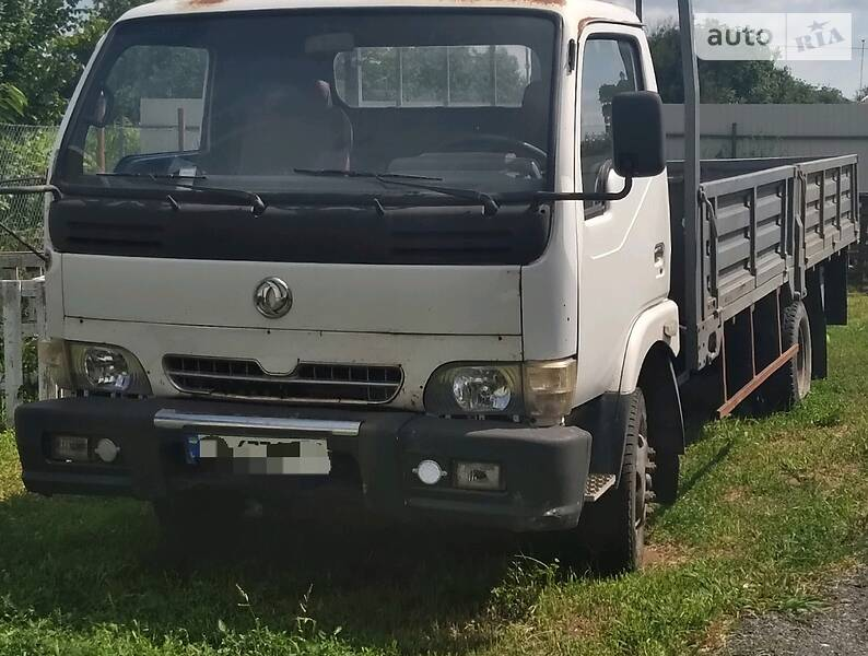 Вантажівки Dongfeng DFA 1062
