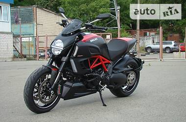 Ducati Diavel Carbon ABS 2013