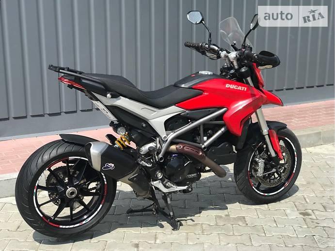 Ducati Hyperstrada 821 SP