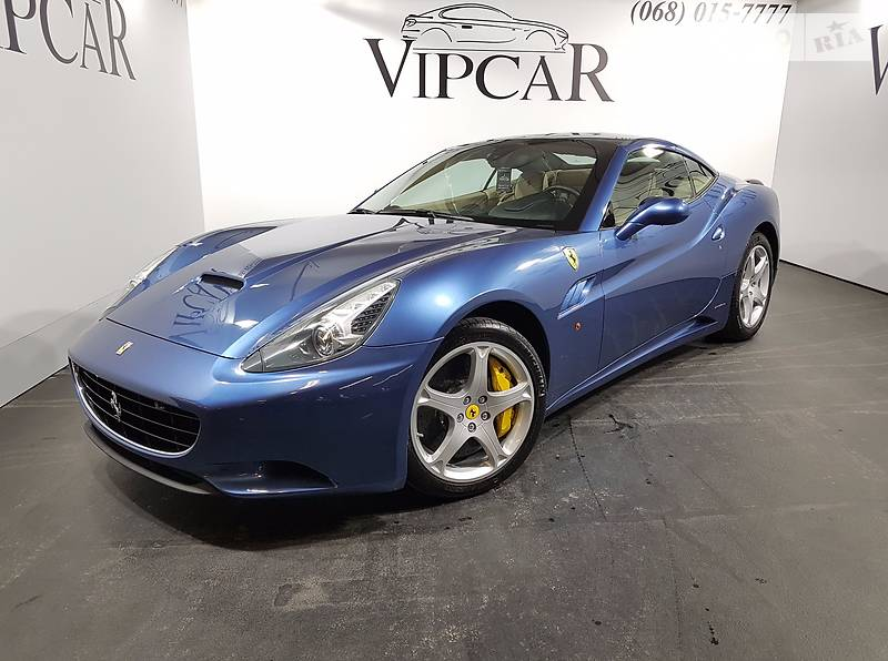 Ferrari California 2013 року