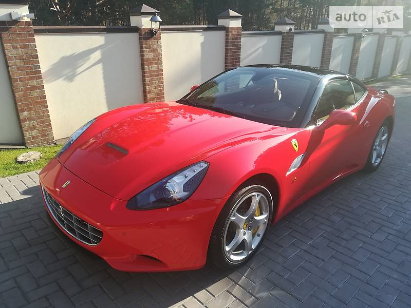 Купе Ferrari California