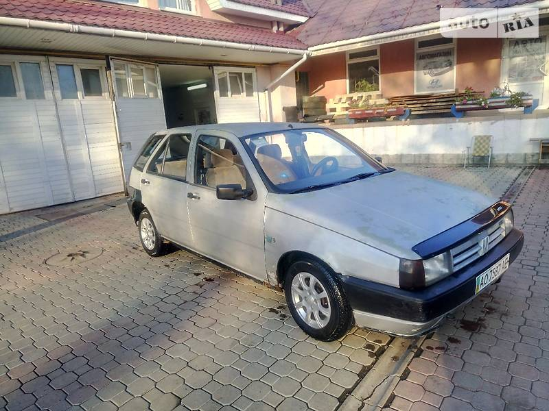Fiat Tipo 1990 года