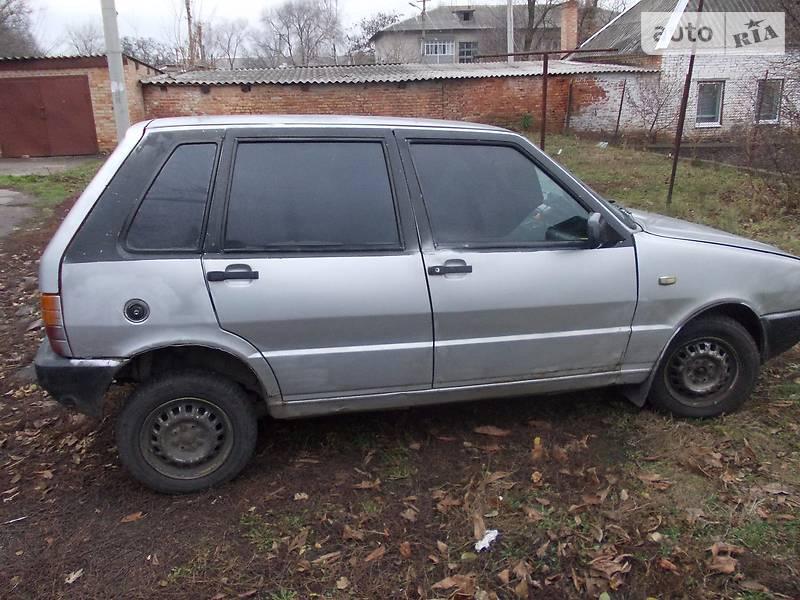 Fiat UNO 1989 року