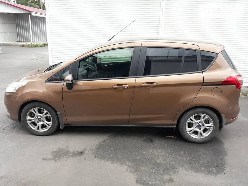Хэтчбек Ford B-Max