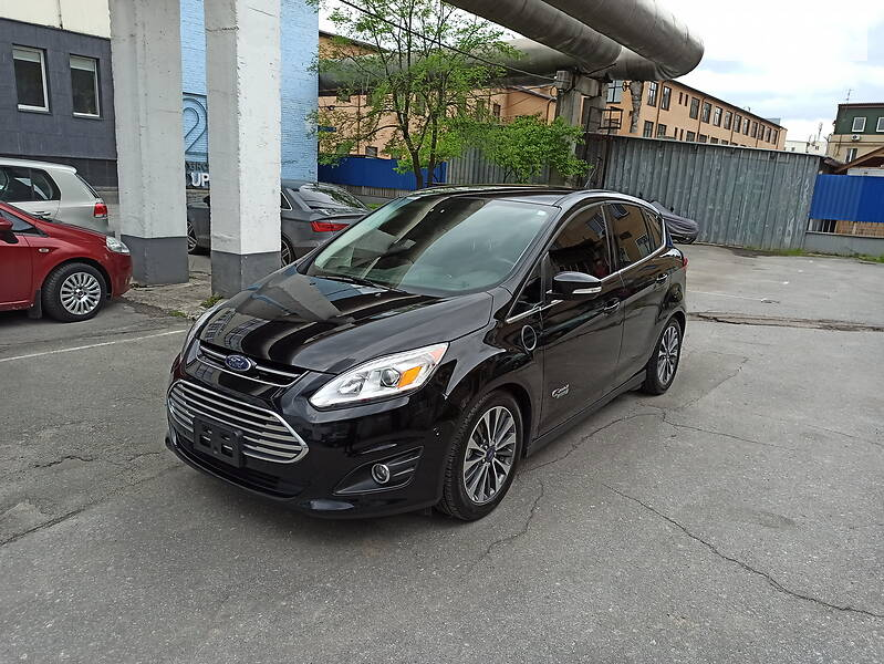 Седан Ford C-Max Energi
