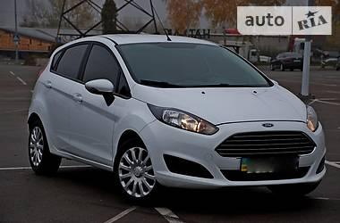 Ford Fiesta White  2013