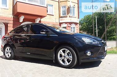 Ford Focus TREND 1.6I 2013