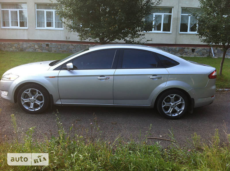 Седан Ford Mondeo