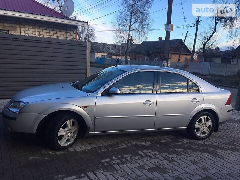 Ford Mondeo 2001 года