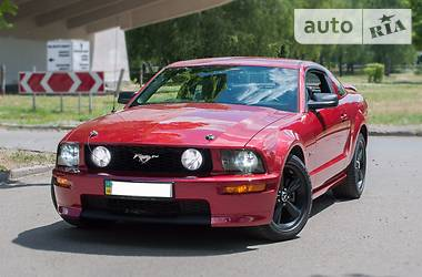 Ford Mustang GT 4.6L 281Cu. In. V8 2006