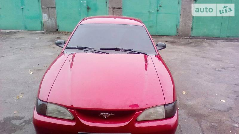Ford Mustang GT 1997 года