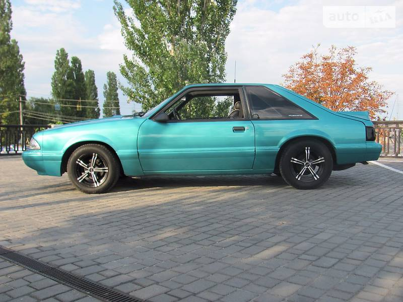 Ford Mustang 1993 року