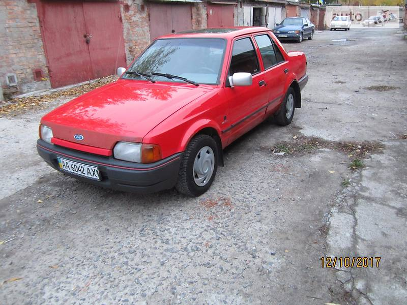 Ford Orion 1990 року