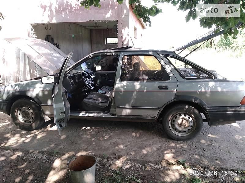Лифтбек Ford Sierra