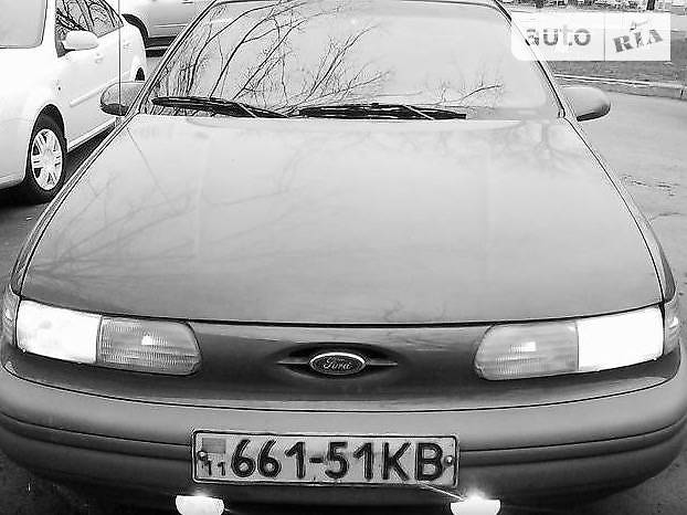 Седан Ford Taurus