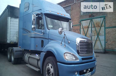 Freightliner CL  2004