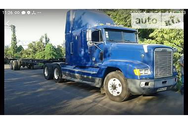 Freightliner Conventional  2001