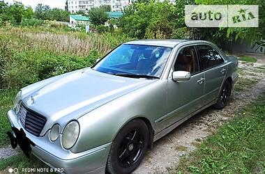 Цены Mercedes-Benz E 200 Газ / Бензин