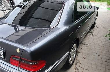 Ціни Mercedes-Benz E 240 Газ / Бензин
