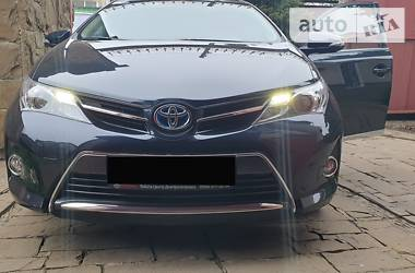 Ціни Toyota Auris Гібрид