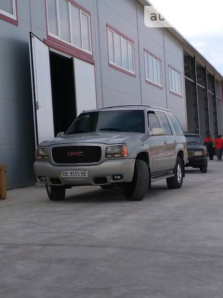 GMC Yukon 1999 года