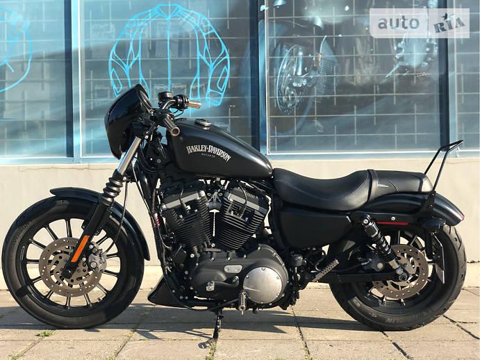 Мотоцикл Круизер Harley-Davidson 883 Iron