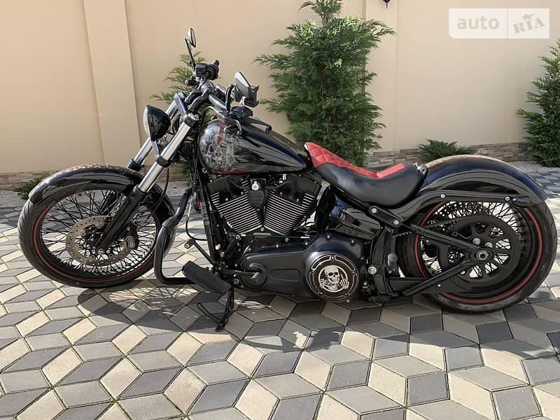 Мотоцикл Чоппер Harley-Davidson Breakout
