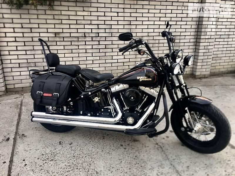Мотоцикл Чоппер Harley-Davidson Cross Bones