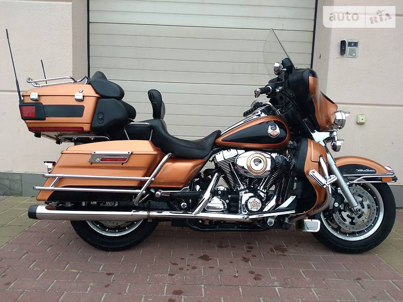 Мотоцикл Круизер Harley-Davidson FLHTCU Ultra Classic Electra Glide