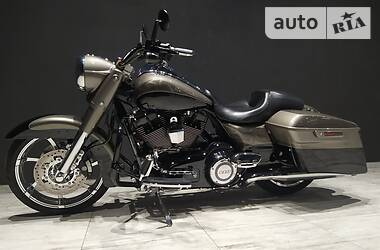 Harley-Davidson Road King CVO special 2013