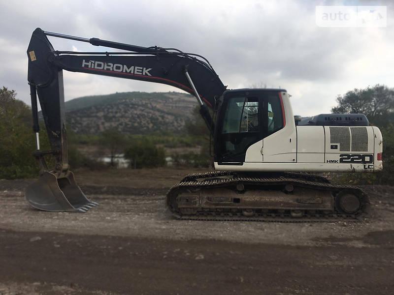 Hidromek HMK 220LC