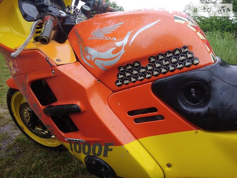Спортбайк Honda CBR 1000F
