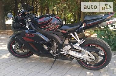 Honda CBR 1000RR  2004