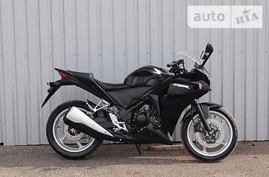 Honda CBR 250R-3 2015