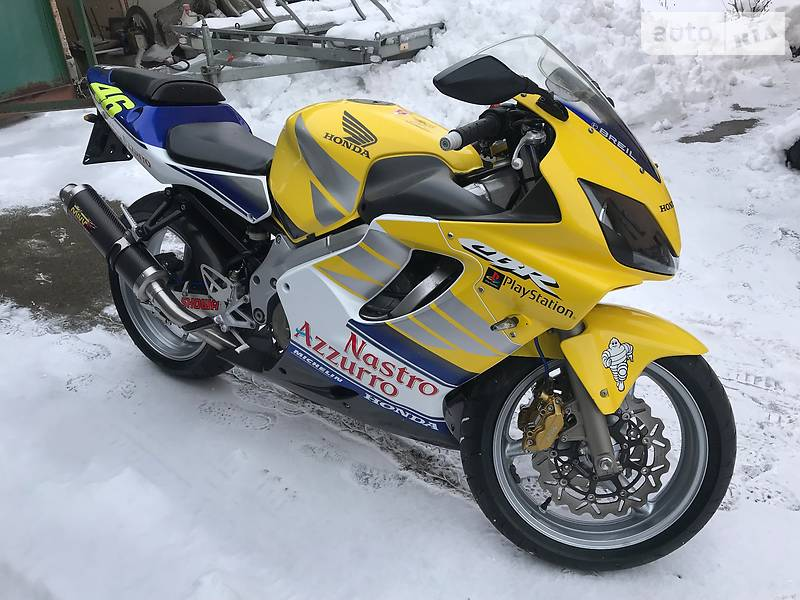 Honda CBR 2002 года