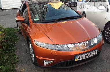 Honda Civic 1.8i 5D 2010