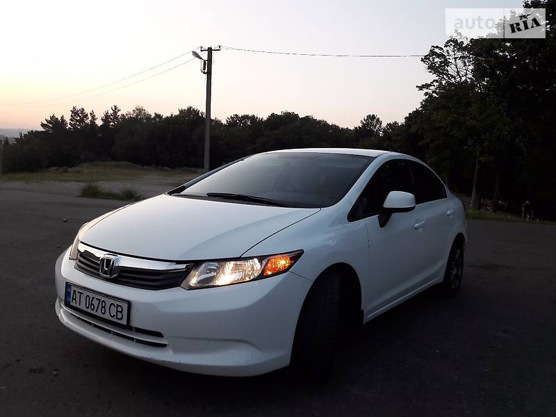 Honda Civic 2012 года