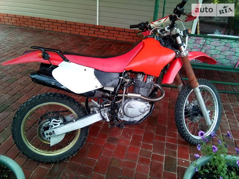 Мотоцикл Внедорожный (Enduro) Honda CR