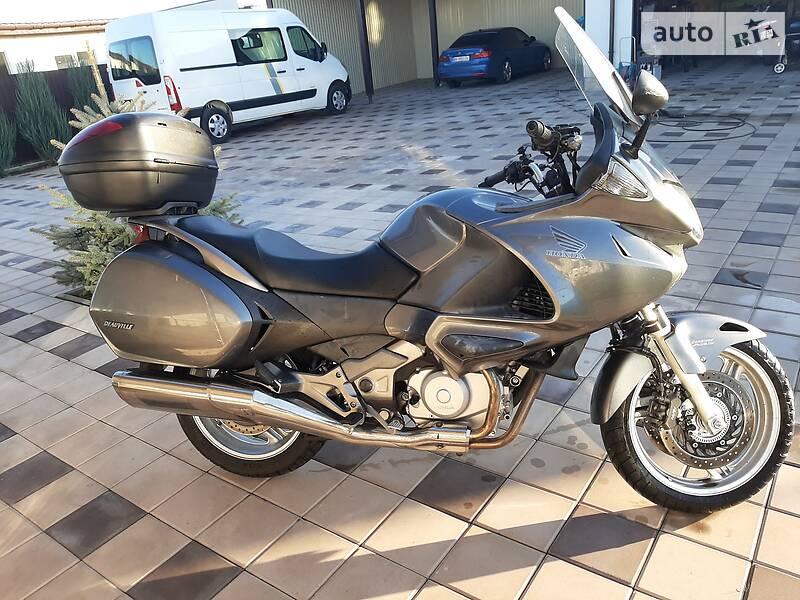 Honda Deauville 700