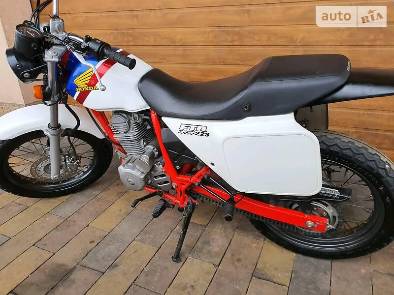 Мотоцикл Внедорожный (Enduro) Honda FTR