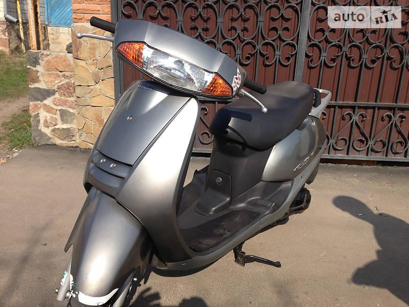 Скутер / Мотороллер Honda Lead