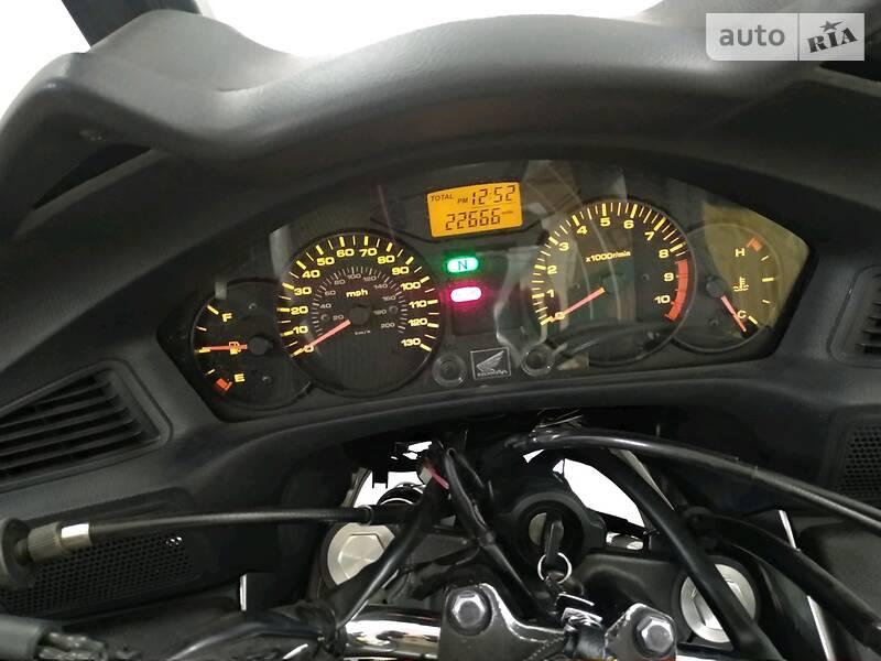 Honda NT 700V