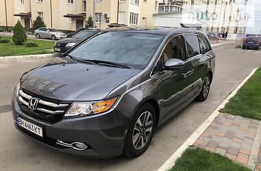 Honda Odyssey Touring Elite   2014 2013