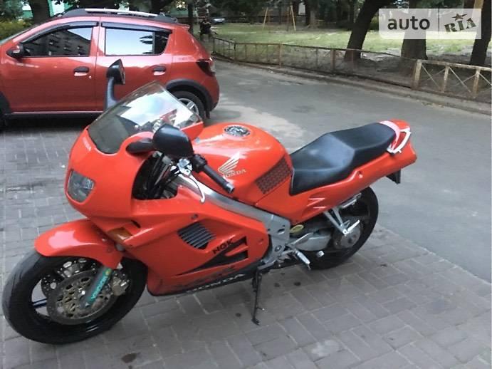 Honda VFR 750F