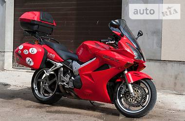 Honda VFR  2004