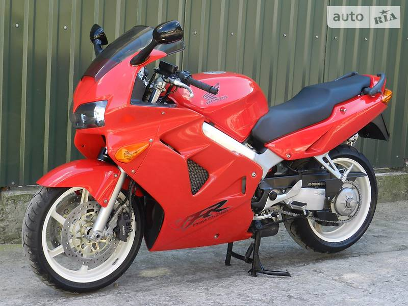 Honda VFR 2001 года