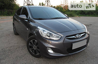 Hyundai Accent Comfort+Gaz 2013