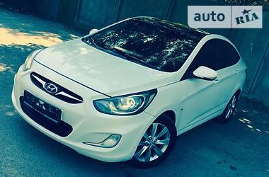 Hyundai Accent //1.6FAMYLI// 2012